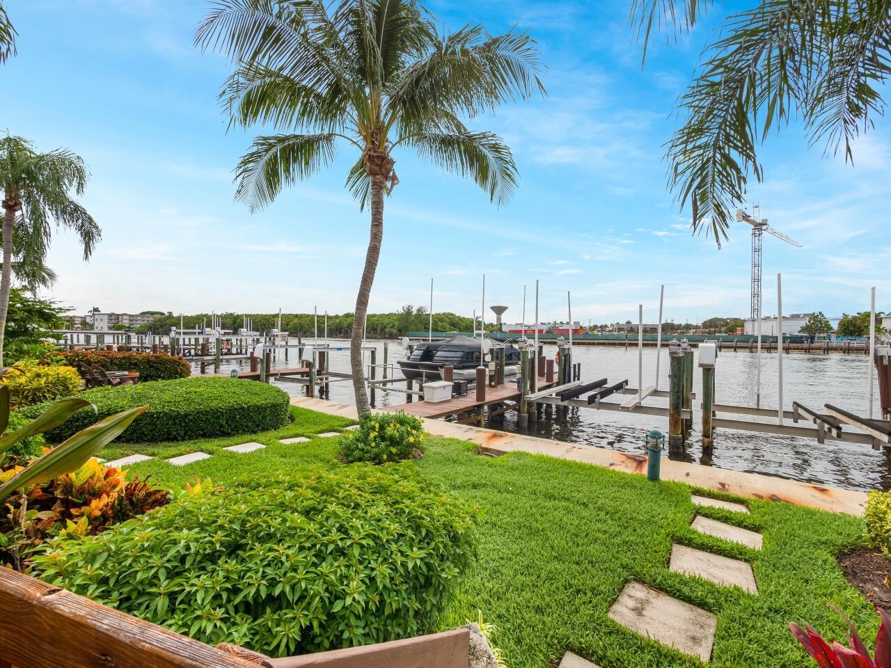 5554 Ocean Boulevard, Ocean Ridge, Florida 33435, 3 Bedrooms Bedrooms, ,2.1 BathroomsBathrooms,Townhouse,For Sale,Ocean,RX-10742069