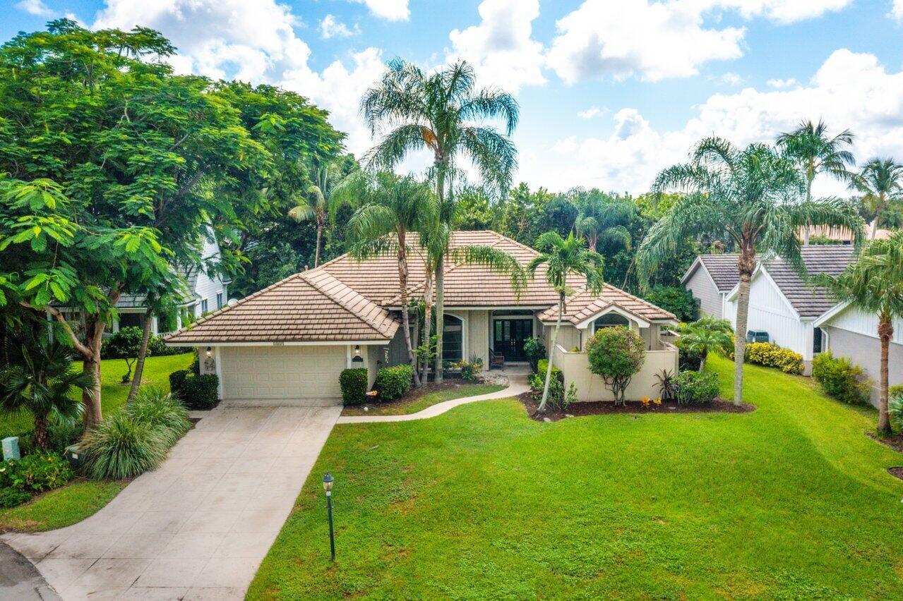 5008 Whispering Hollow, Palm Beach Gardens, Florida 33418