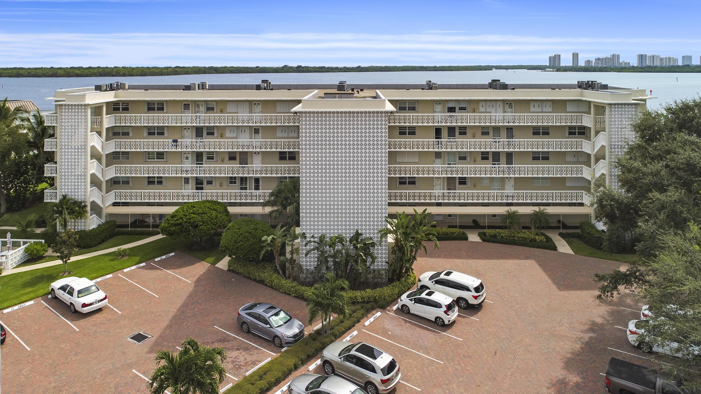 60 Yacht Club Unit 103, North Palm Beach, Florida 33408