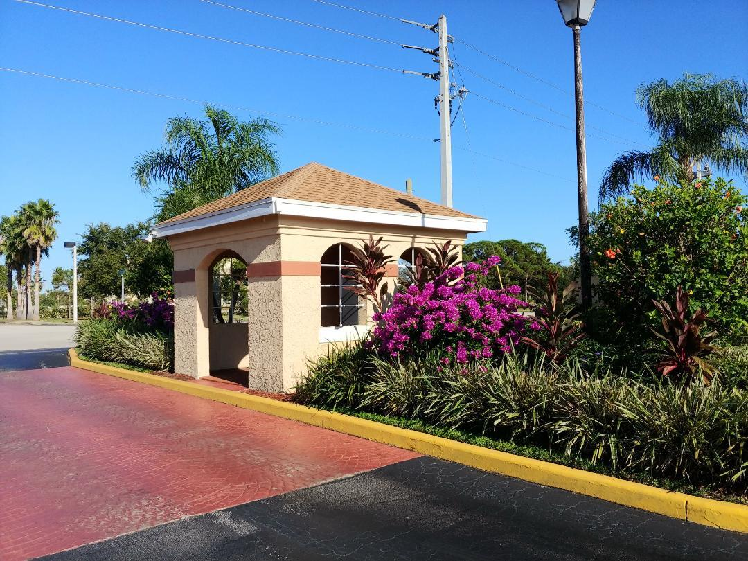 1562 Royal Green Unit 101, Port Saint Lucie, Florida 34952