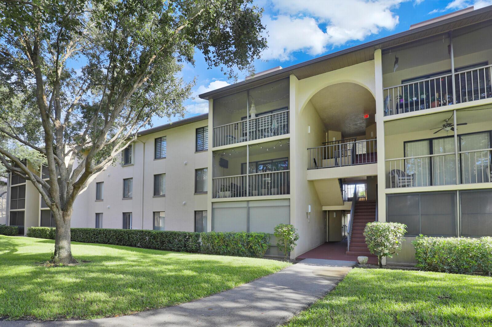 207 Foxtail Unit C1, Greenacres, Florida 33415