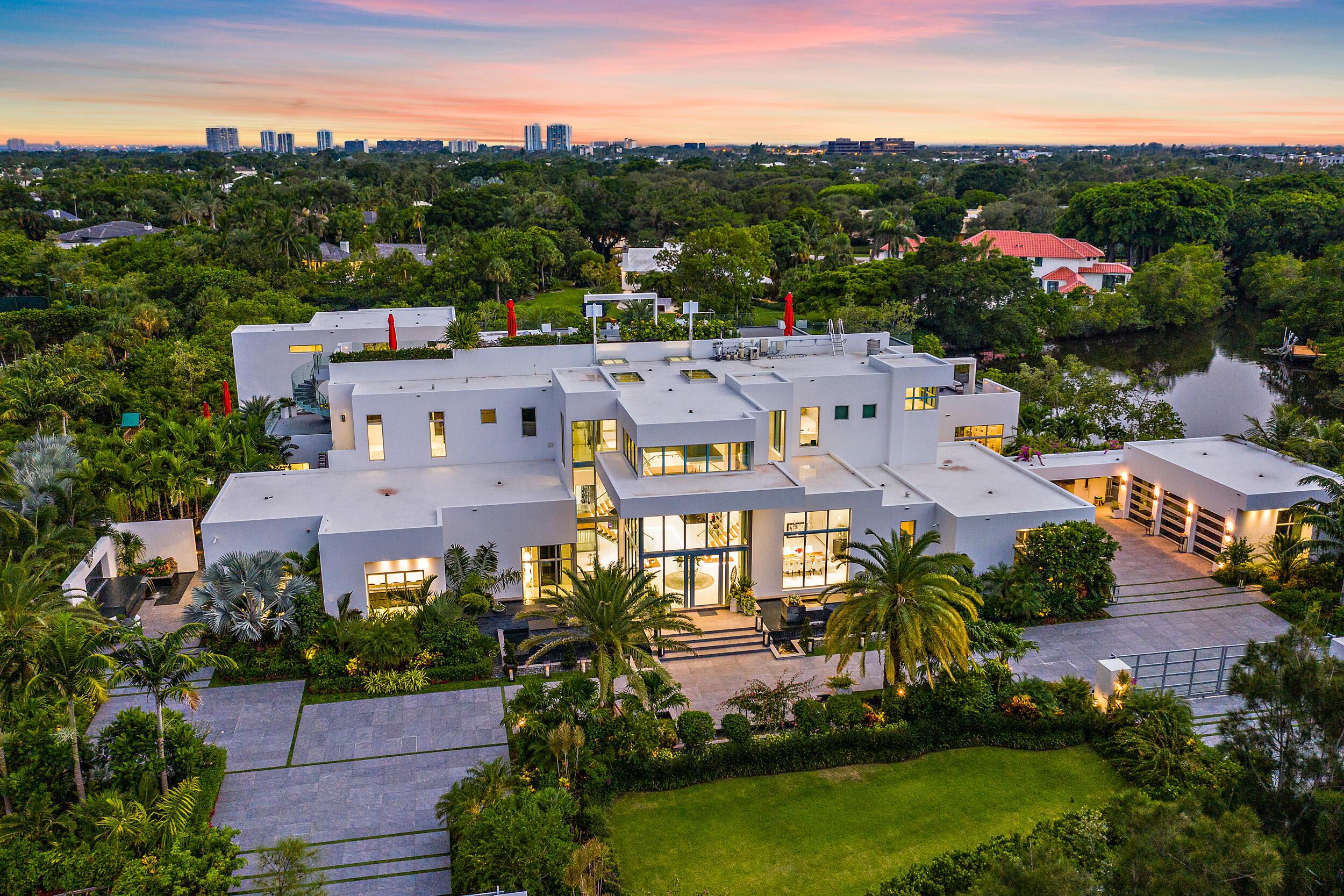 Photo of 1104 Seminole Boulevard, North Palm Beach, FL 33408