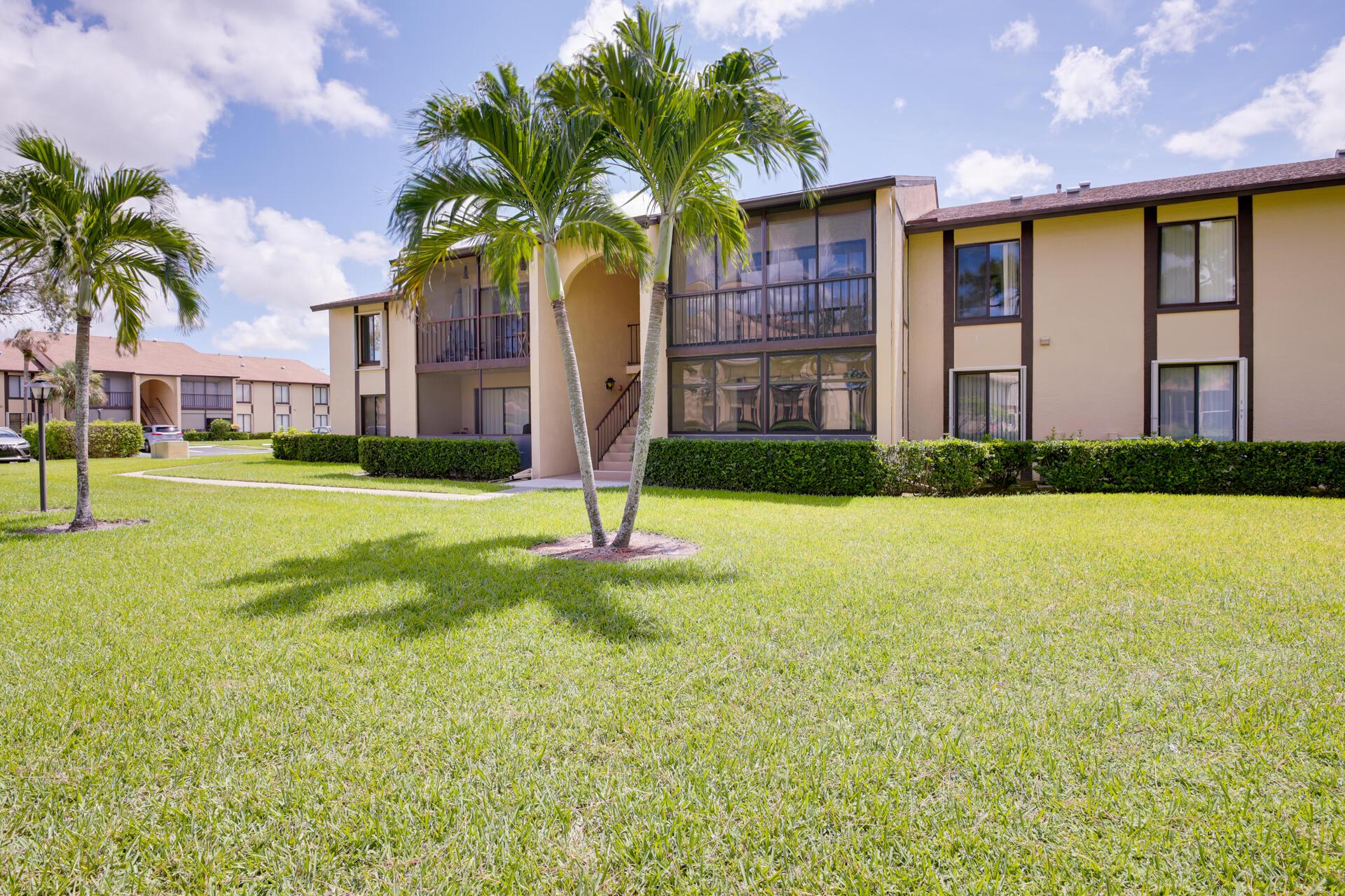 821 Sky Pine Unit G2, Greenacres, Florida 33415