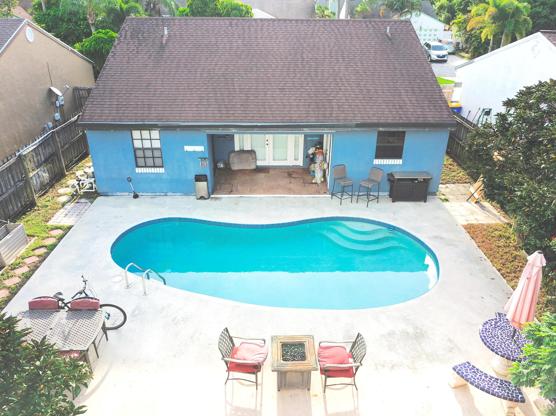 5952 Mitzi Lane, Stuart, Florida 34997, 3 Bedrooms Bedrooms, ,2 BathroomsBathrooms,Residential,For Sale,Mitzi,RX-10746327