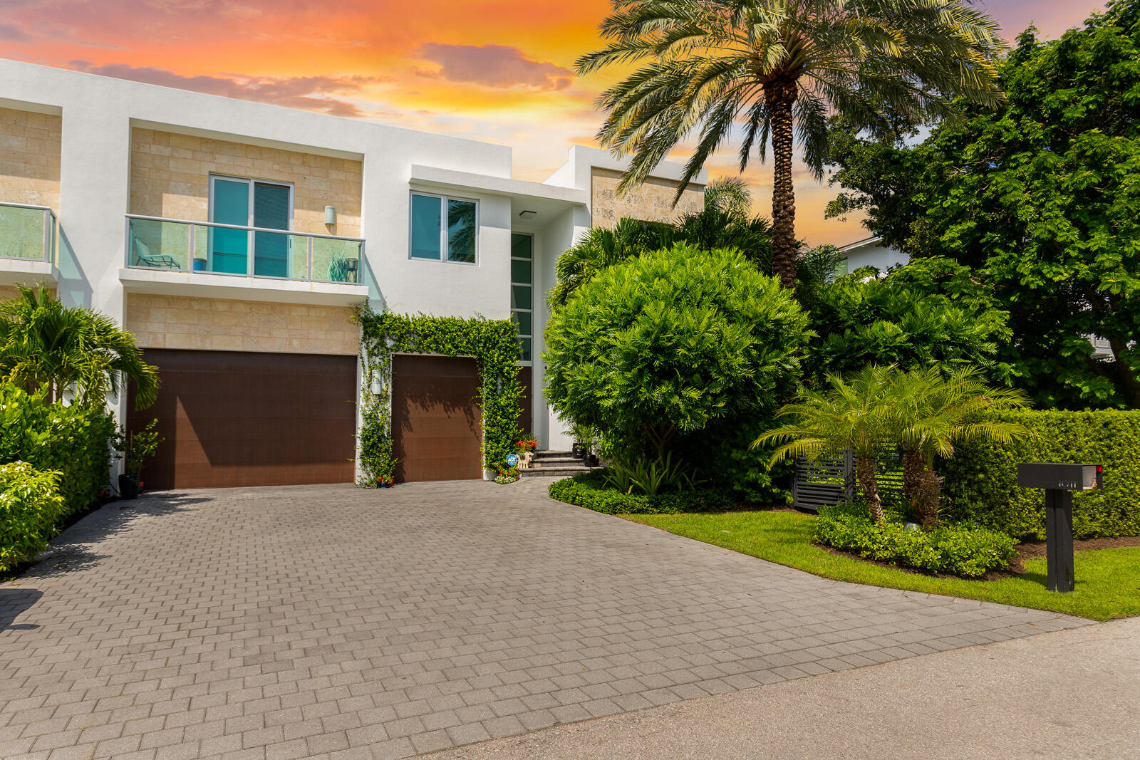 1011 Bucida Road, Delray Beach, Florida 33483, 5 Bedrooms Bedrooms, ,5 BathroomsBathrooms,Townhouse,For Sale,Bucida,RX-10745769