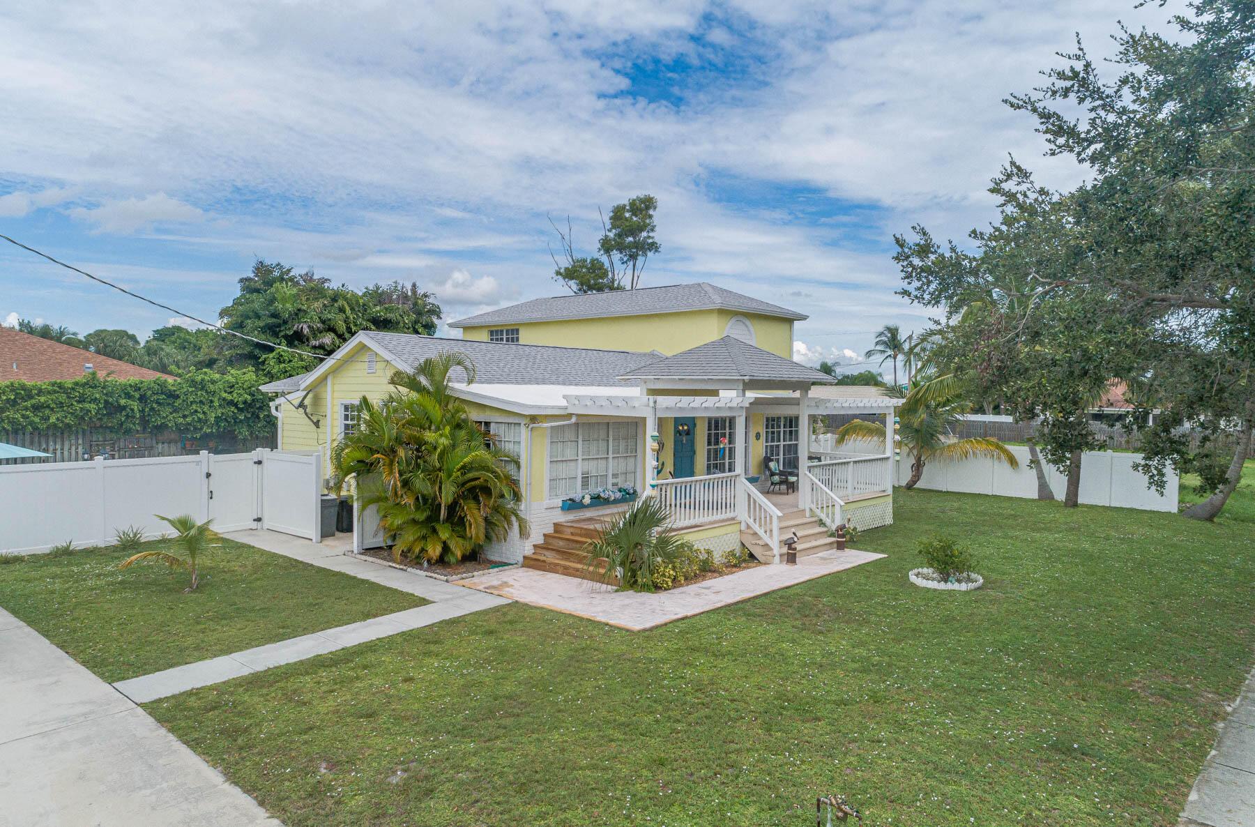 475 Seabrook, Tequesta, Florida 33469