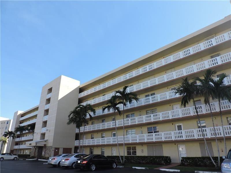 401 3rd Unit I-406, Dania Beach, Florida 33004