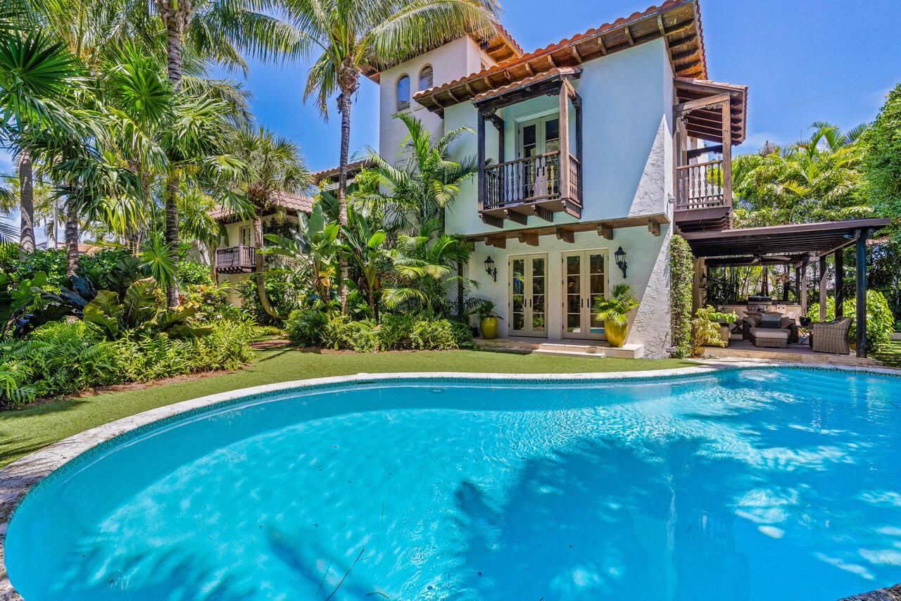 2416 Medina, West Palm Beach, Florida 33401