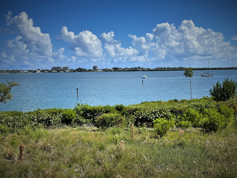 20 Harbour Isles Unit 202, Fort Pierce, Florida 34949