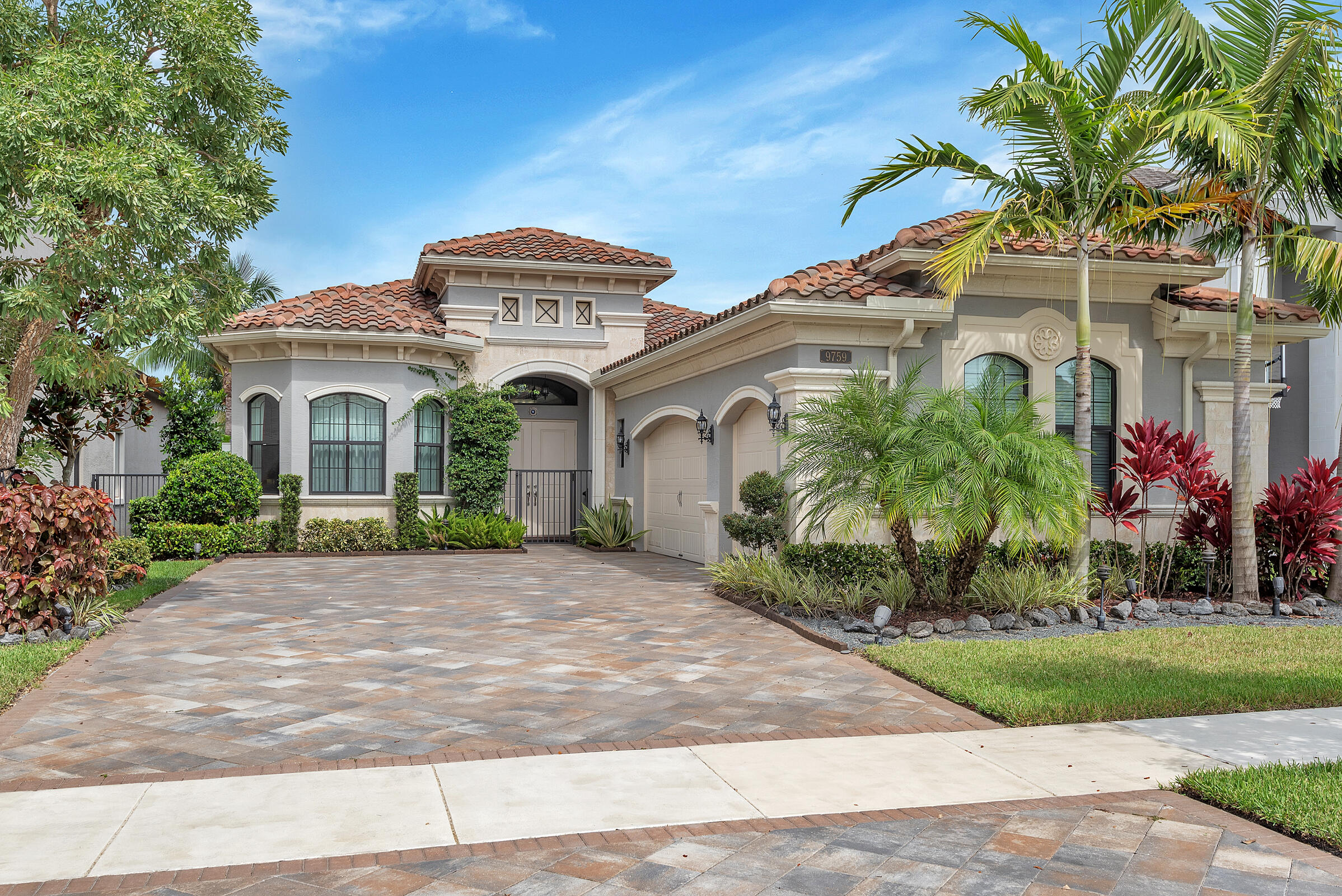9759 Vitrail Lane, Delray Beach, Florida 33446, 4 Bedrooms Bedrooms, ,3.1 BathroomsBathrooms,Single Family Detached,For Sale,Vitrail,RX-10752411