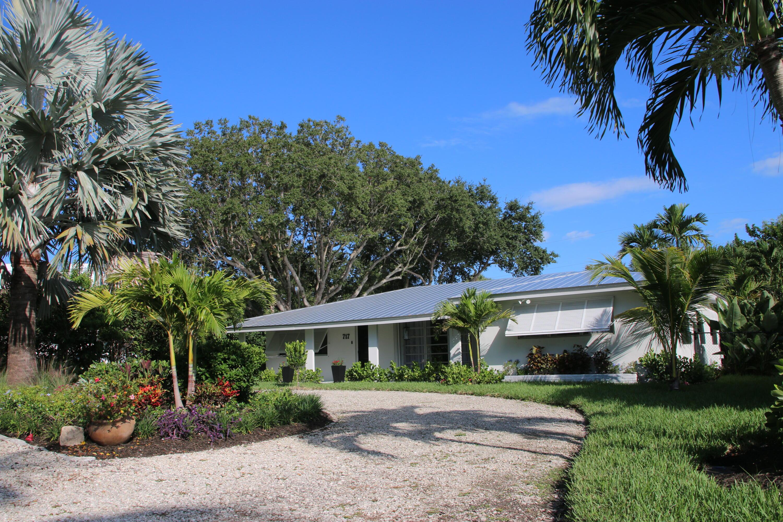 717 Weir, Stuart, Florida 34994
