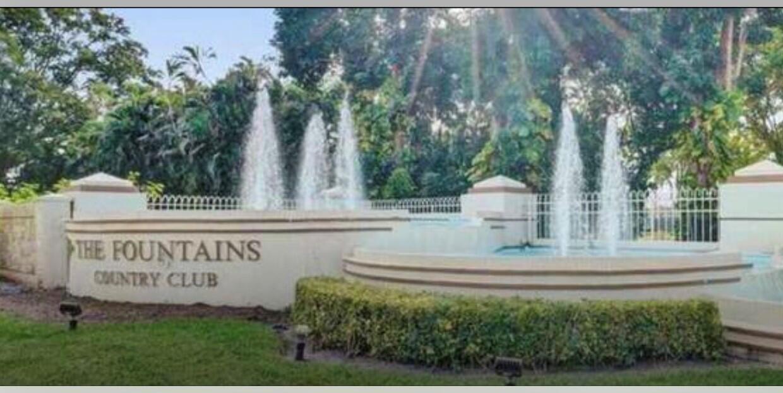 5279 Fountains Unit 405, Lake Worth, Florida 33467