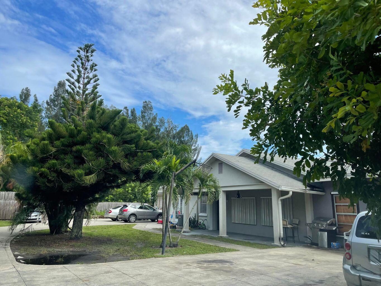 1902 Kirk, Palm Springs, Florida 33406