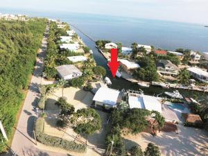Property for sale at 140 Old Fashion Road, KEY LARGO,  FL 33037