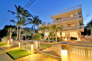 Property for sale at 122 South Drive, ISLAMORADA,  FL 33036