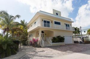 Property for sale at 103 Starfish Lane, KEY LARGO,  FL 33070