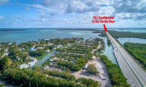 Property for sale at 100 Morris Avenue, KEY LARGO,  FL 33037