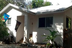 Property for sale at 10 Coral Drive, KEY LARGO,  FL 33037