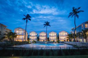 Property for sale at 77521 Overseas Highway Unit: BLDG 8, ISLAMORADA,  FL 33036