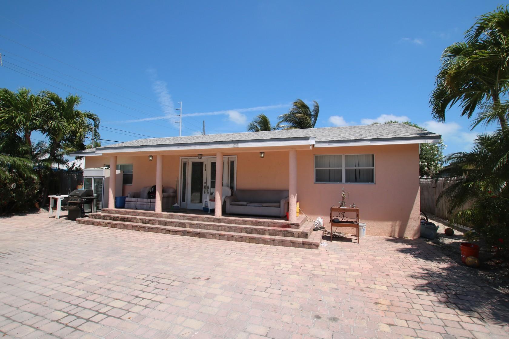 238 109Th Street Ocean Street Ocean MARATHON, FL 33050 575065