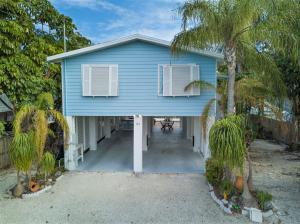 Property for sale at 157 Ojibway Avenue, ISLAMORADA,  FL 33070