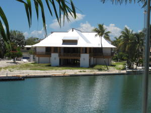 Property for sale at 144 Bayview Drive, ISLAMORADA,  FL 33036