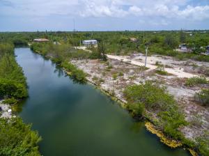 Property for sale at 198 Horvath Road, Big Pine,  FL 33043