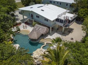 Property for sale at 195 N Airport Road, ISLAMORADA,  FL 33070