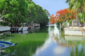 Property for sale at 162 Seminole Boulevard, ISLAMORADA,  FL 33036
