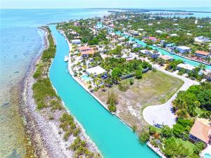Property for sale at 308 Ixora Drive Unit: lots 308-312, Duck,  FL 33050