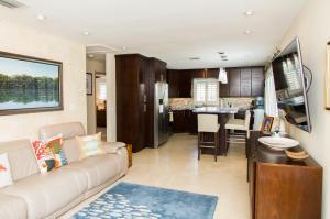 Property for sale at 195 Azalea Street, ISLAMORADA,  FL 33070