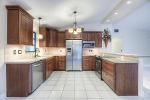 Property for sale at 142 Sioux Street, ISLAMORADA,  FL 33070