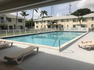 Property for sale at 40 High Point Road Unit: F-102, Tavernier,  FL 33070