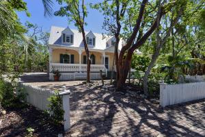 Property for sale at 32 Flamingo Hammock Road, ISLAMORADA,  FL 33036