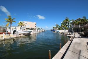 Property for sale at 106 Guilford Court, Tavernier,  FL 33070
