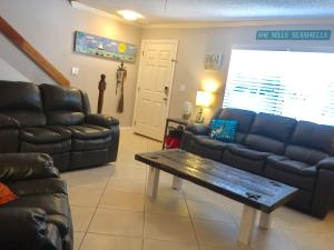 Property for sale at 40 High Point Road Unit: C-103, Tavernier,  FL 33070