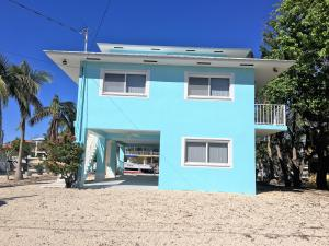 Property for sale at 16 Corrine Place, KEY LARGO,  FL 33037
