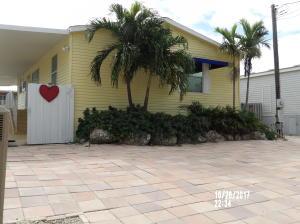 Property for sale at 338 Burton Drive, Tavernier,  FL 33070