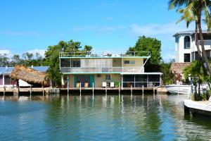 Property for sale at 229 Ojibway Avenue, Tavernier,  FL 33070