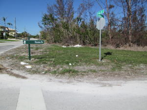 Property for sale at Lot 10 S Indies Drive, Duck,  FL 33050
