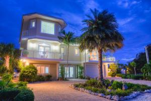 Property for sale at 128 Severino Drive, ISLAMORADA,  FL 33036