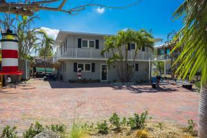Property for sale at 126 Bessie Road, Tavernier,  FL 33070