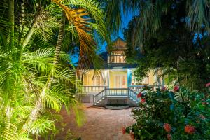 Property for sale at 913 White Street, KEY WEST,  FL 33040