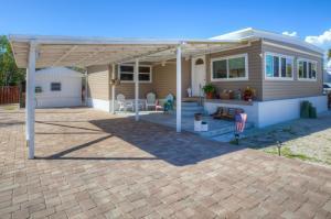 Property for sale at 382 Oleander Drive, Tavernier,  FL 33070