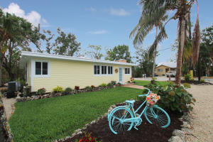 Property for sale at 25 Coral Drive, KEY LARGO,  FL 33037