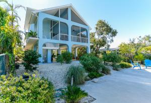 Property for sale at 297 Woods Avenue, ISLAMORADA,  FL 33070