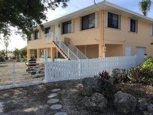 Property for sale at 124 South Drive, ISLAMORADA,  FL 33036