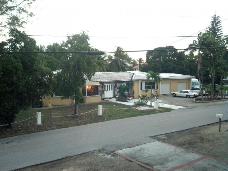 512 Avenida Primiceria