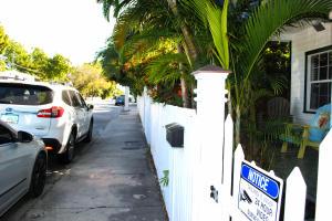 1400 WHITE STREET #B, KEY WEST, FL 33040  Photo 3