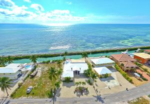 242 W Seaview Circle  For Sale, MLS 583168